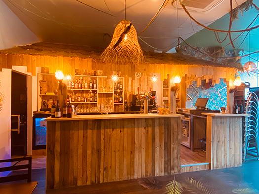 Cafe jungle Lyon 9 aménagement restaurant bar tiki 2
