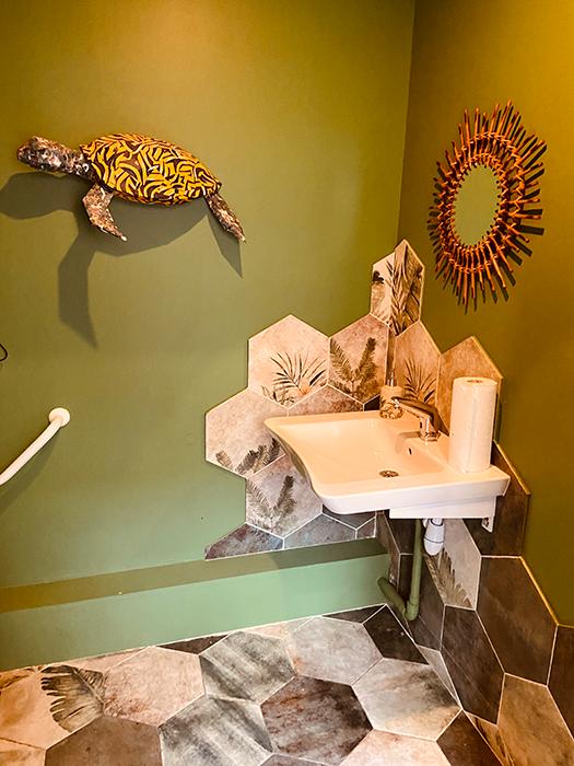 Cafe jungle Lyon 9 sanitaire décoration aménagement tropical