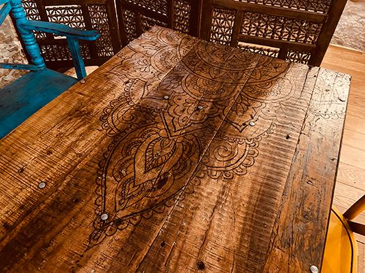 Décoration gravure faite main salle , Adonys, restaurant libanais lyon