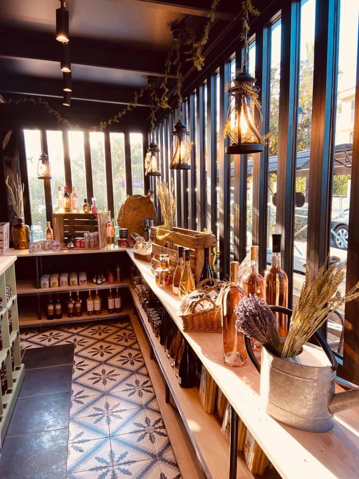 boutique surface commerciale amenagement architecte interieur pauline rudolf les paupiettes sanary sur mer